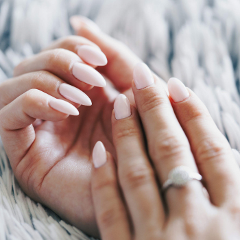 How to care for acrylic nails, how long do acrylic nails last?